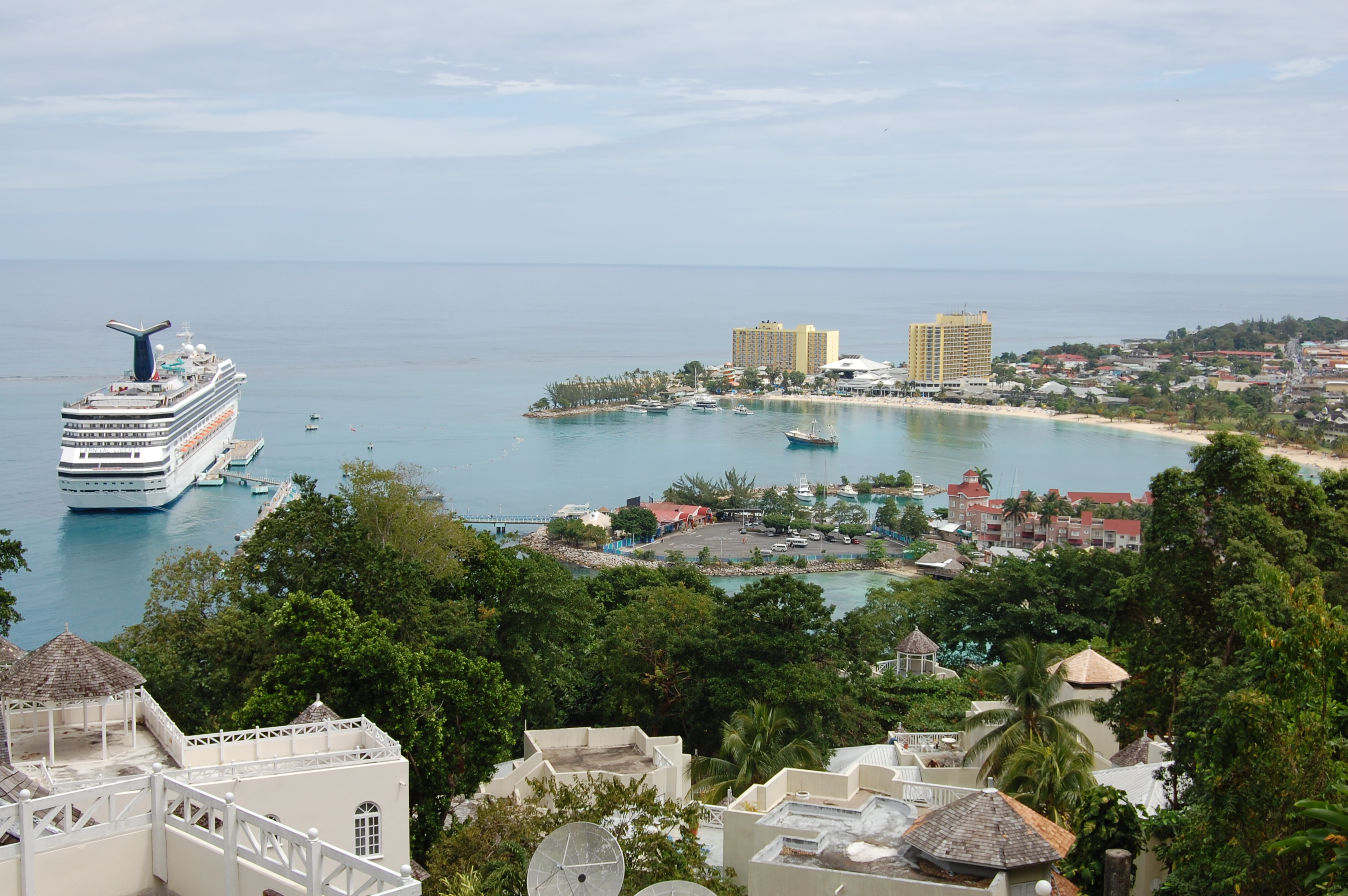 Lots of Great Places to Scuba Dive in Ocho Rios, Jamaica